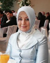 صور زوجات بعض الرؤساء الملوك العرب 1188302800.jpg